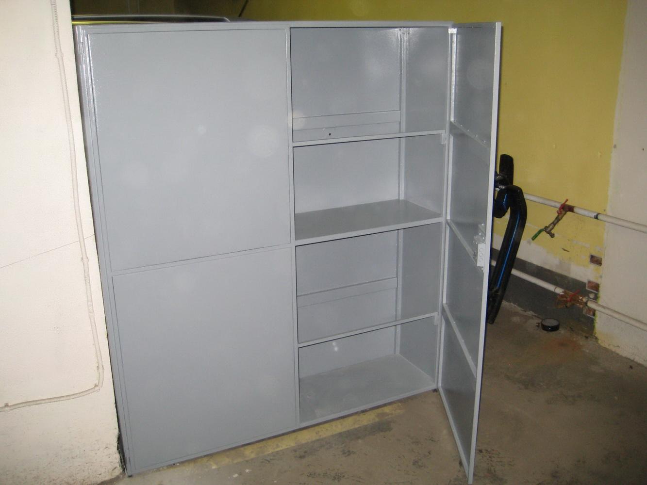 Наводим порядок в гараже: как сделать шкаф-верстак 17